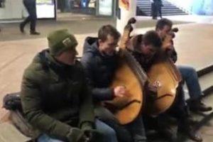 """""""Невмируща нація!"""" Мережу захопило потужне виконання українського хіта"""