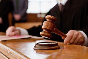 На львівського вчителя подали до суду, бо він вказав на помилки у підручнику