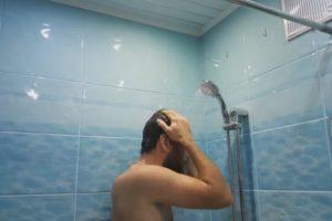 У Львові грабіжник заліз в квартиру і прийняв там …душ