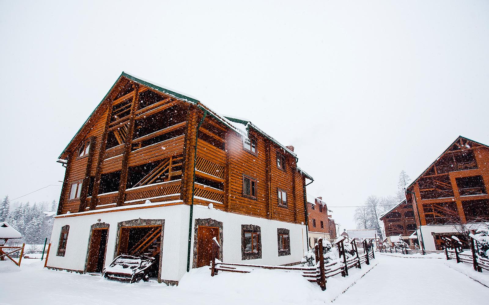 Готель «Гірський Світанок», Мигово