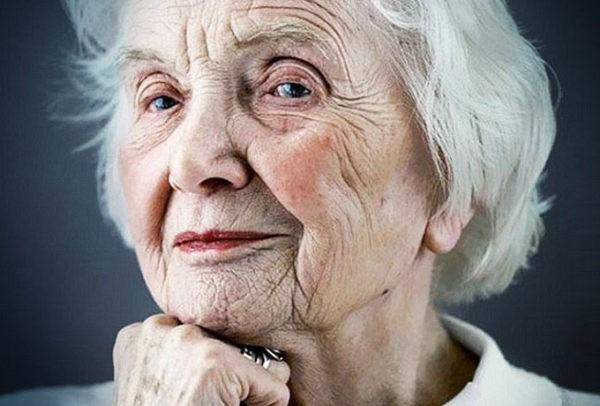 бабуся бабця старенька