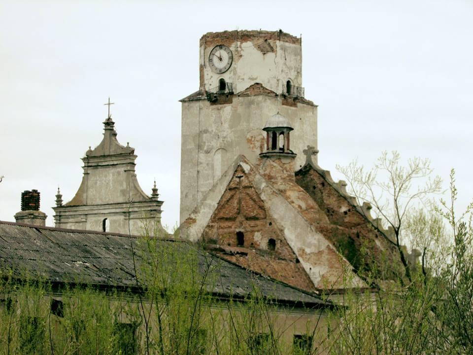 Колишній бернардинський монастир на Забужжі. Фото: Богдан Волошин