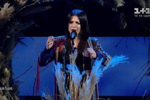 """Оксана Муха пройшла у півфінал Голосу Країни, виконавши українську пісню """"Ворожка"""" (відео)"""