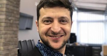 Володимир Зеленський вишиванка