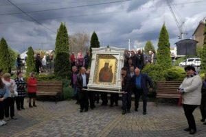 На Львівщину привезли чудотворну ікону Зарваницької Божої Матері