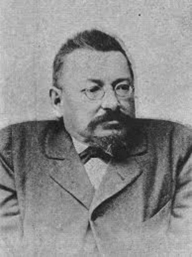 Іван Левинський, який разом із Яном Кудельським у 1891-1894 рр. реконструював палац і той набув свого тперішнього зовнішнього вигляду