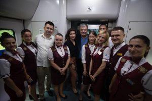 Порошенко прилетів до Львова на рейсовому літаку та повернувся потягом до Києва