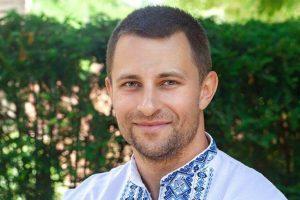 Співак з США презентував україномовну пісню на честь усіх матерів. ВІДЕО