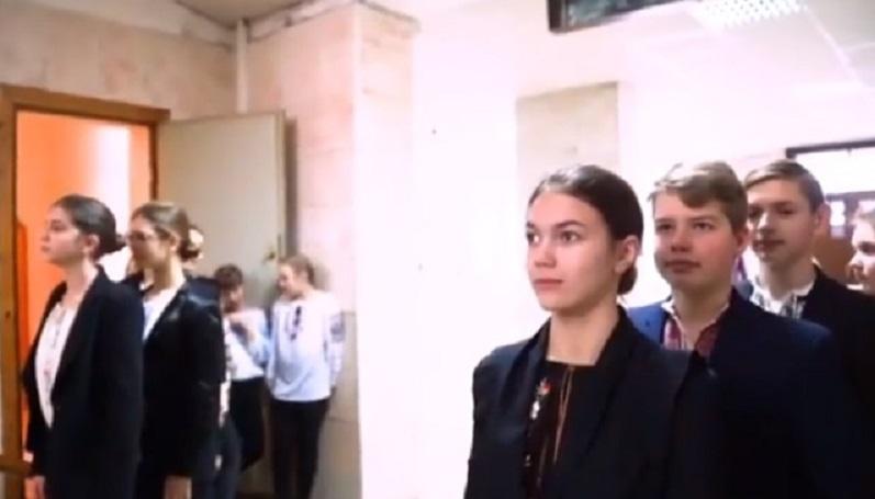 Хіт Мережі: Українські школярі записали відео в підтримку української мови (відео)