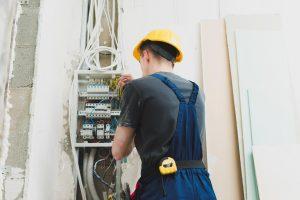 Що обрати: заміна чи ремонт старої проводки у квартирі