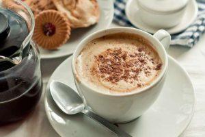 Як смачно приготувати розчинну каву? 7 ароматних рецептів