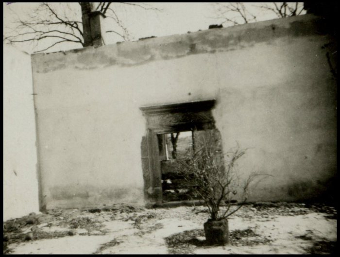 Поруйнований в ході війни Свірзький замок. Фото 1914 року