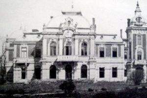 На Львівщині реконструюють закинутий та забутий Тартаківський палац XXV століття
