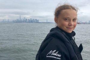 16-річна Грета Тунберг два тижні пливла через Атлантику на саміт ООН, оскільки не визнає літаків