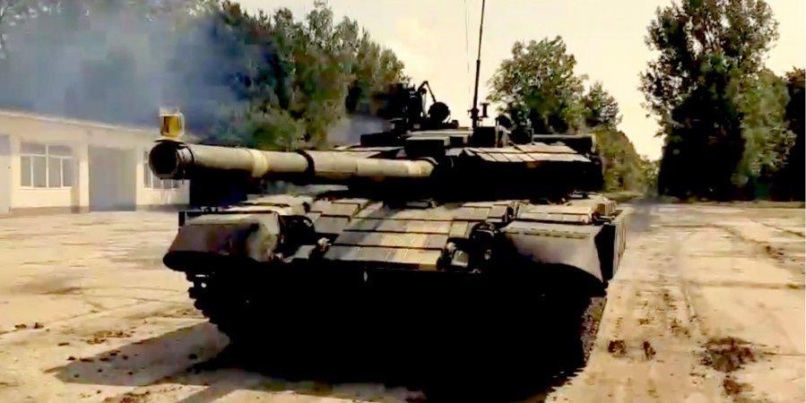 У Львові стабілізатори гармат танків перевіряють за допомогою пива — відео