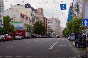 У Львові з'явиться новий дорожній знак та жовта розмітка на виділених смугах