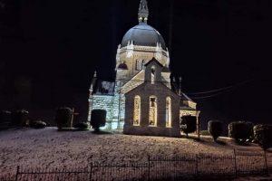 У Львові підсвітили храм Вознесіння на вулиці Старознесенській (фото)