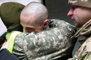 """Обмін полонених: зустріч звільнених у аеропорті """"Бориспіль"""" (відео наживо)"""